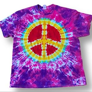 Hand tie dyed peace sign XL unisex tshirt
